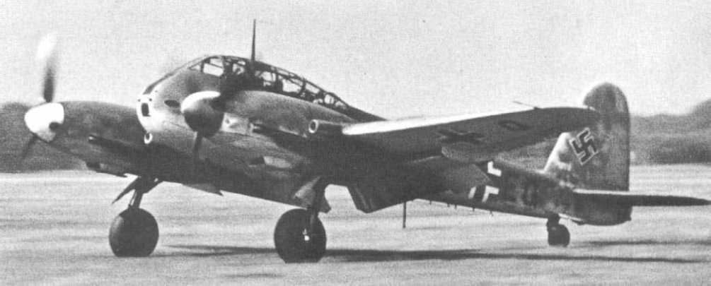 Messerschmitt Me 410B1 Hornisse Stkz TF+EQ Stab 3 Jagd Division France 1944 01