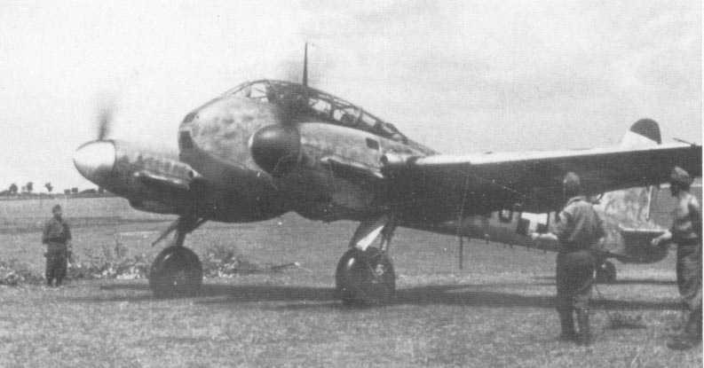 Messerschmitt Me 210C Hornisse RHAF 2.102 (Z0+99) Hungary 1944 02