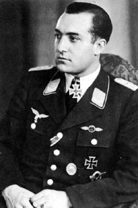 Aircrew Luftwaffe ZG26 pilot Eduard Tratt 01