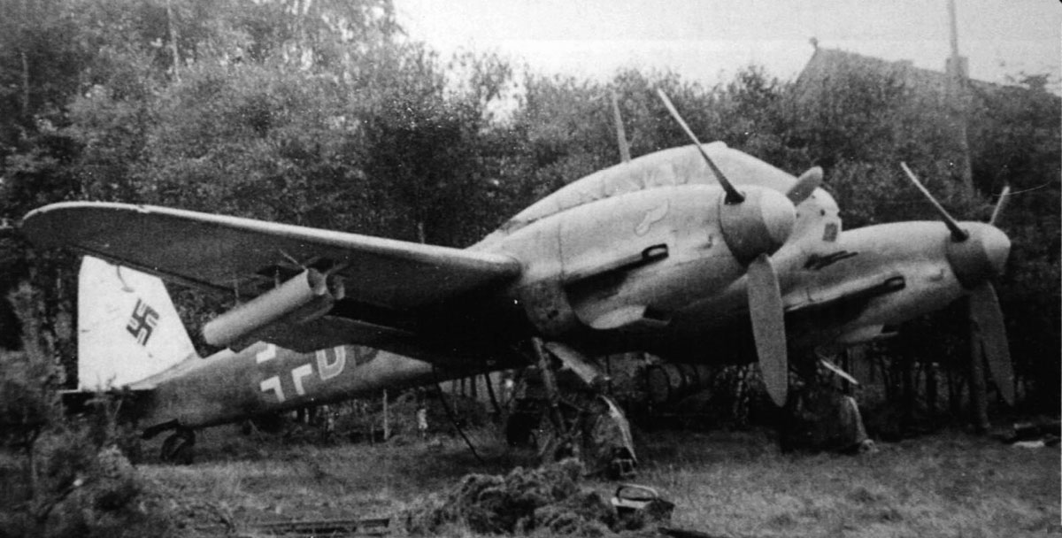Messerschmitt Me 410A1 Hornisse Stab III.ZG26 (3U+DD) WG21 Diepholz Germany 1943 01