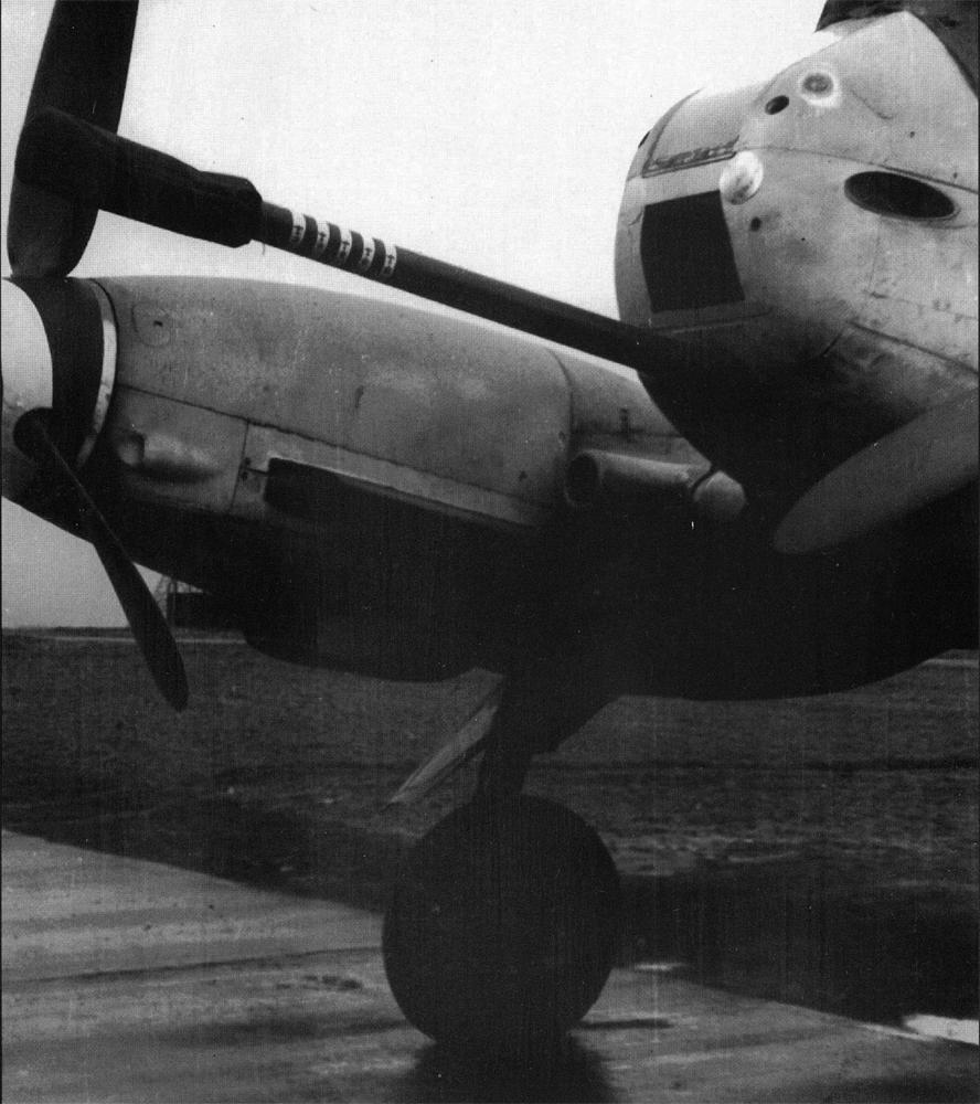 Messerschmitt Me 410B2 Hornisse 5.ZG26 close up 5cm BK5 Cannon Konigsberg Neumark 1944 01