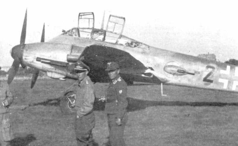 Messerschmitt Me 410B1 Hornisse 5.ZG76 (Black 2+ ) Brno AF Czechoslovakia 1944 01