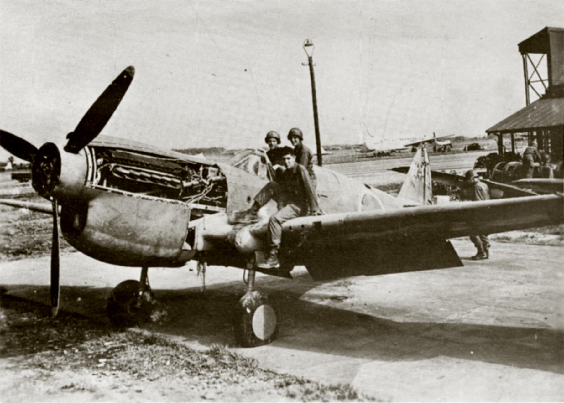 Curtiss P 40E Warhawk IJAAF Tachikawa 1945 01