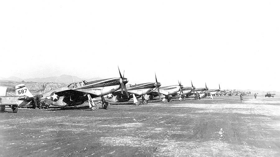 1 P 51 Mustangs 118th Tactical Recon Squadron Suichwan 1944 02