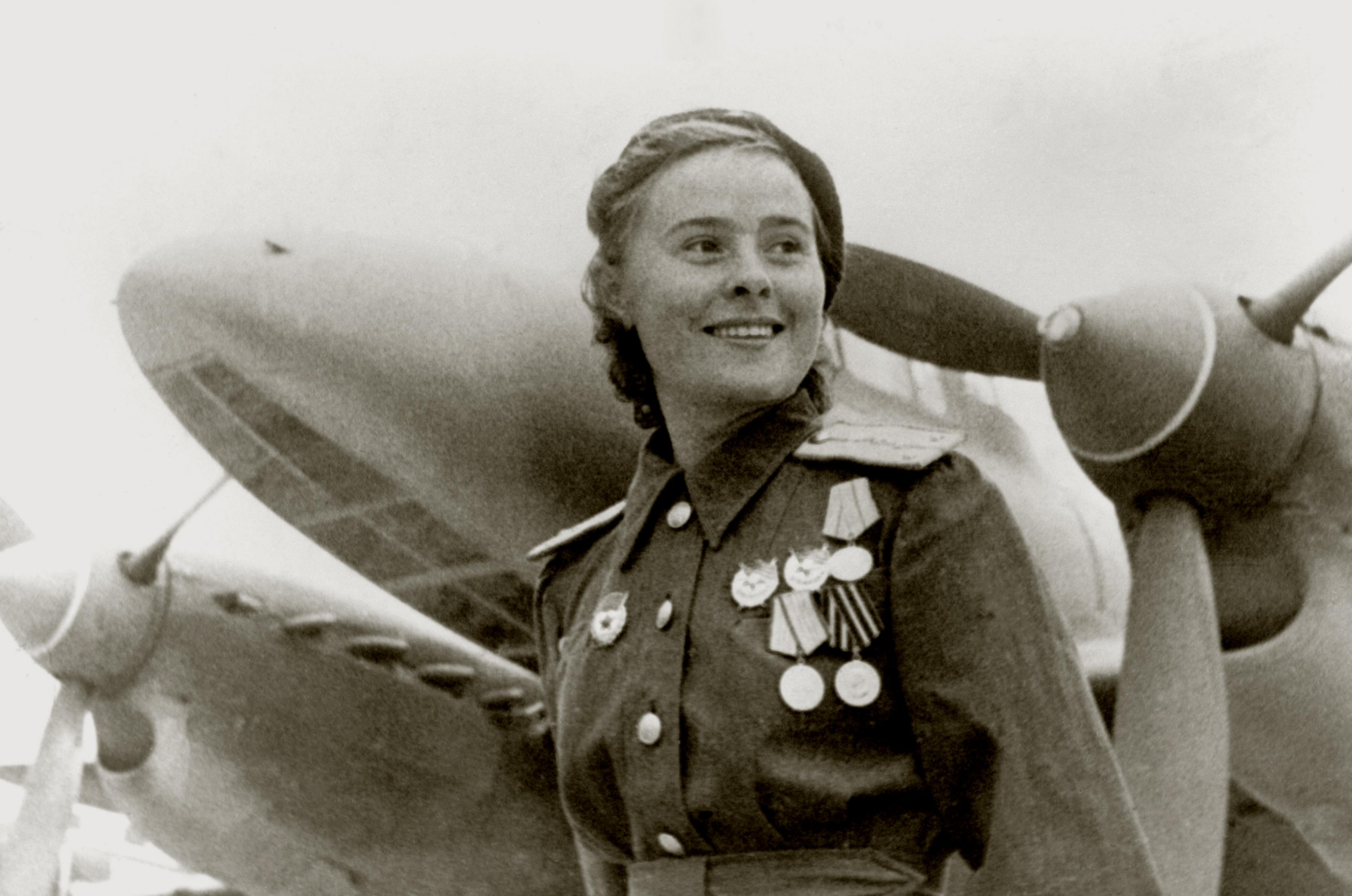 Aircrew Soviet 125GvBAP Deputy Squadron Commander Capt Maria Ivanovna Dolina 1944 01