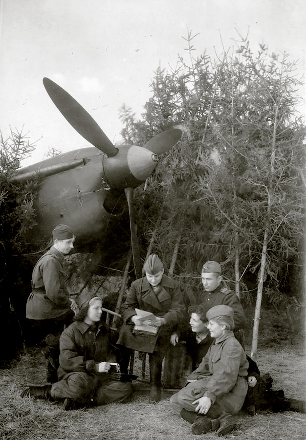 Aircrew Soviet 125GvBAP group photo with Ekaterina Fedotova and commrades 1943 01