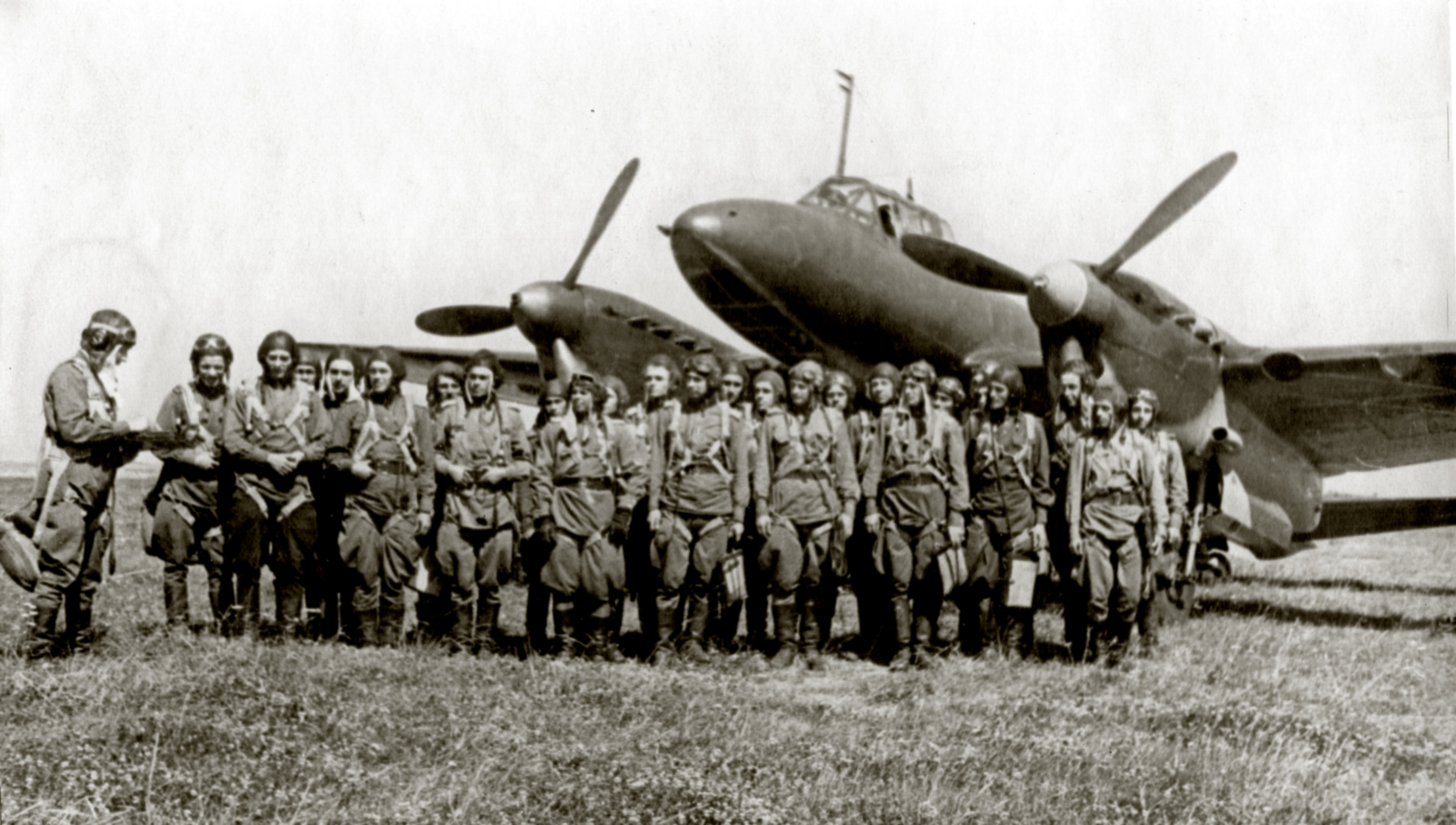 Aircrew Soviet 127GvBAP during a crew briefing Stalingrad front 01