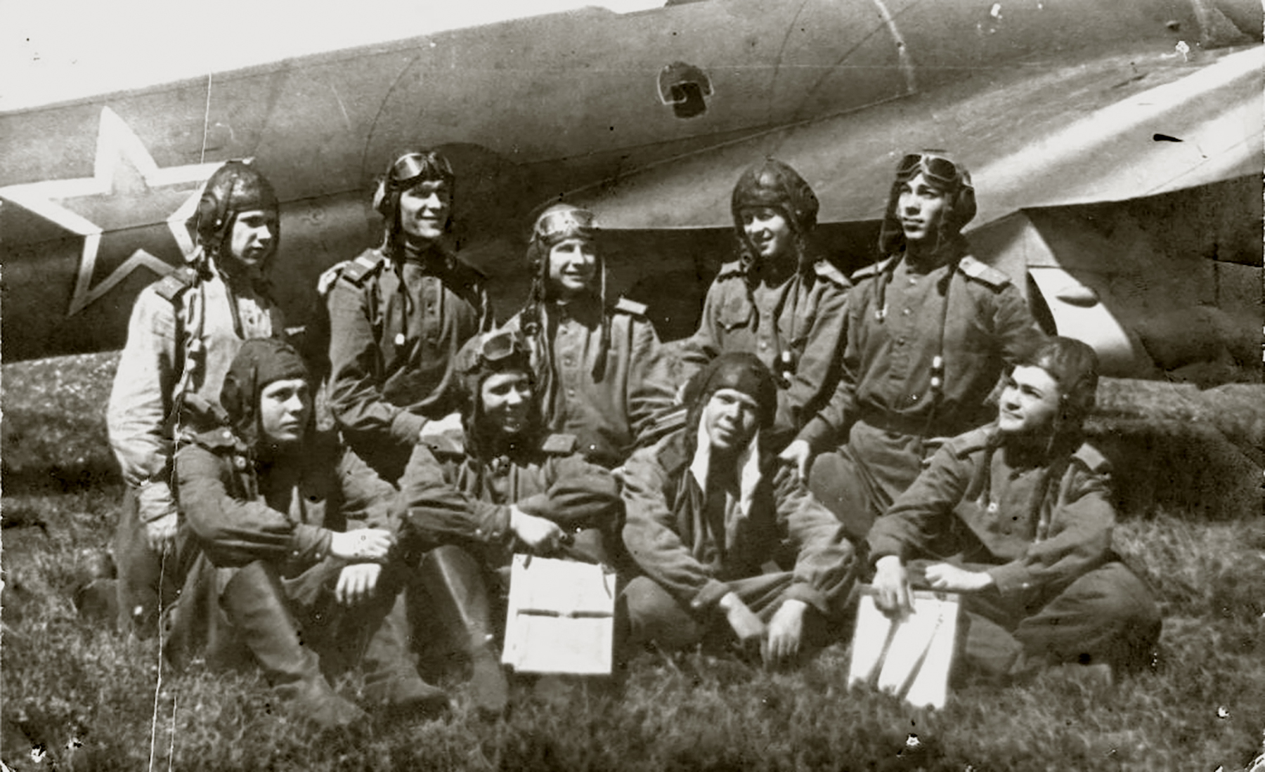 Aircrew Soviet 127GvBAP with Kuzma A Konkov (top row 2nd from the right) and colleagues Stalingrad front 01