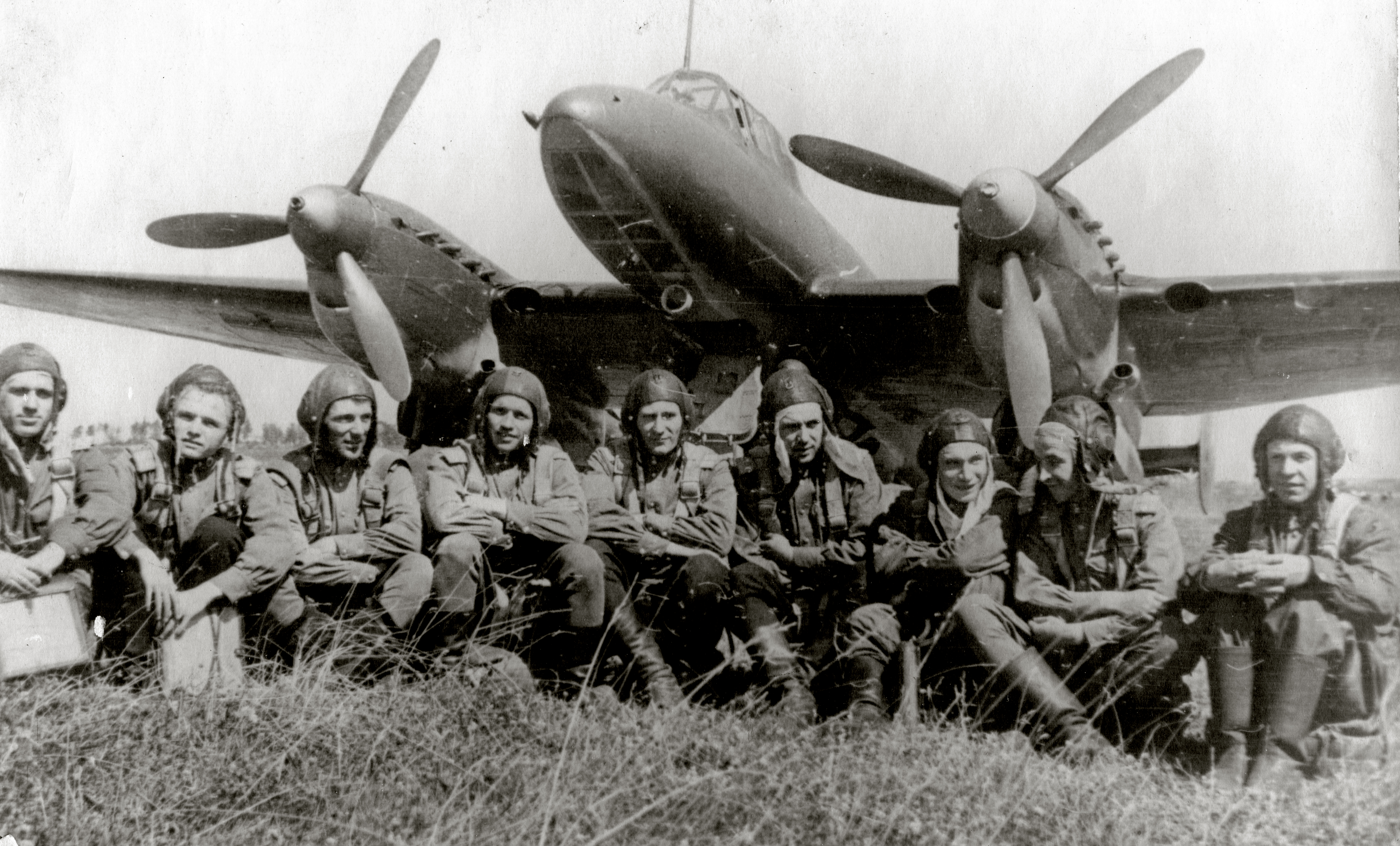 Aircrew Soviet 127GvBAP with crews Stalingrad front 01