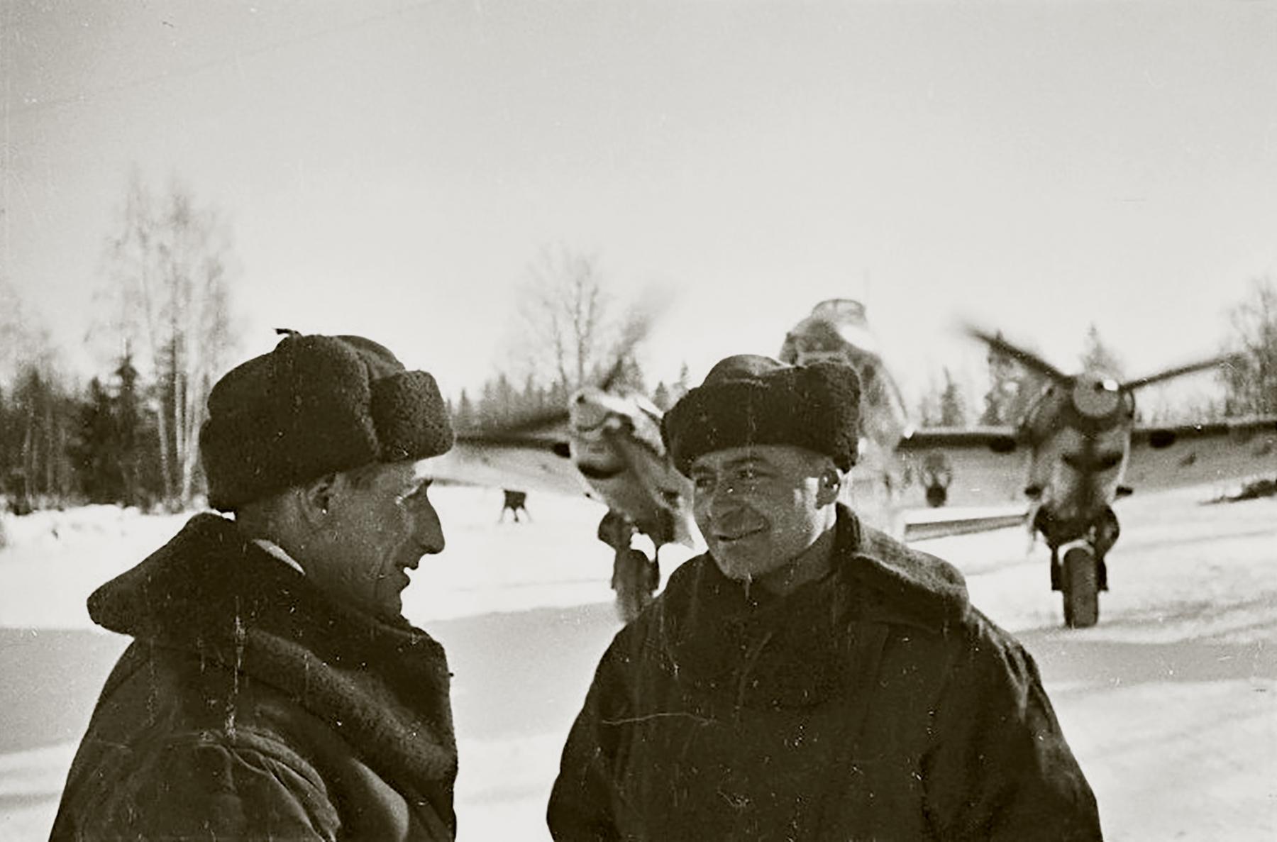 Aircrew Soviet 128GvBAP Commissar 2Sqn IY Sirenko and sqn commander SnrLt VP Solonov 15th Jan 1942 01