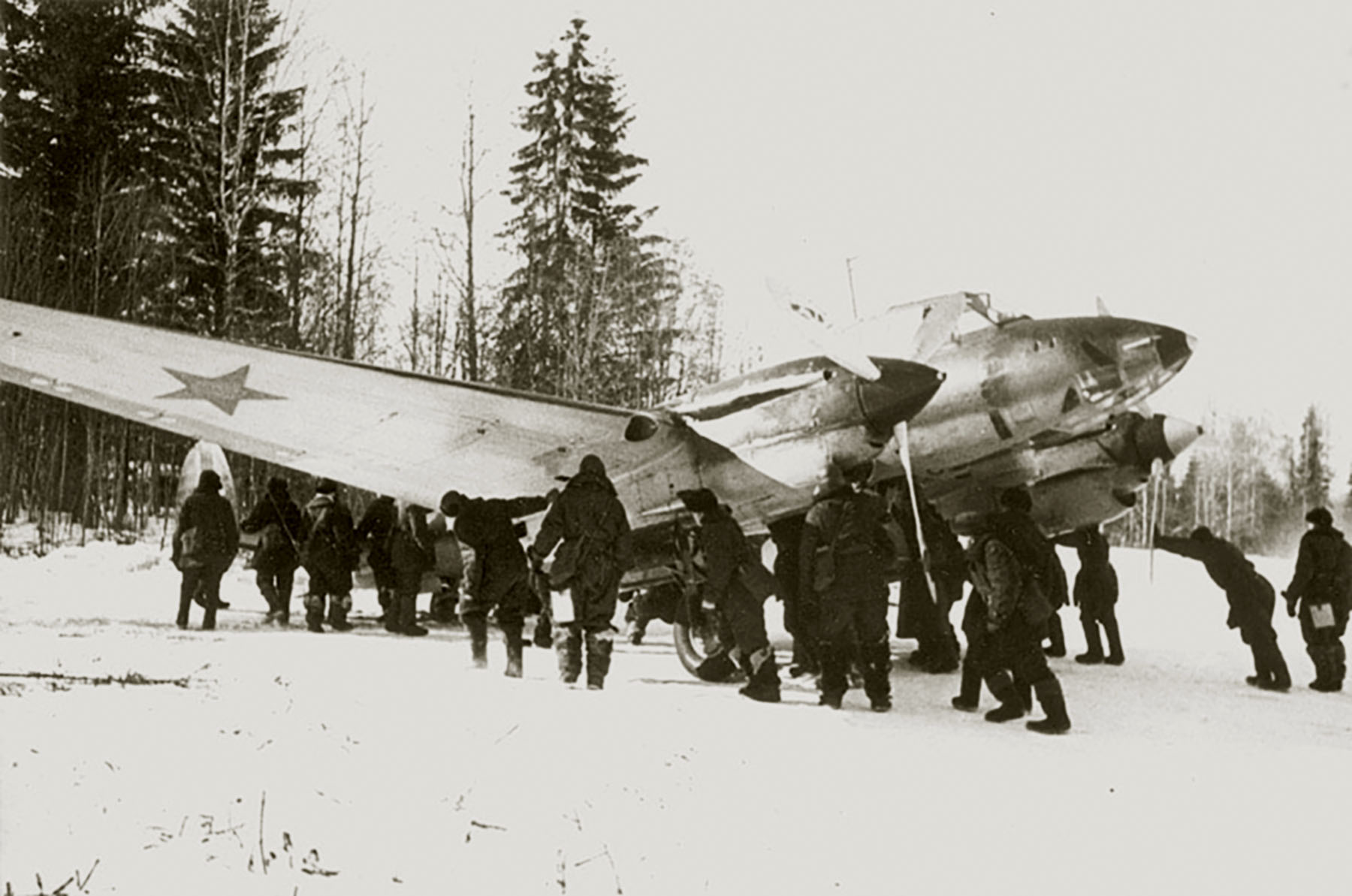 Aircrew Soviet 128GvBAP being pushed back into cover 15th Jan 1942 01
