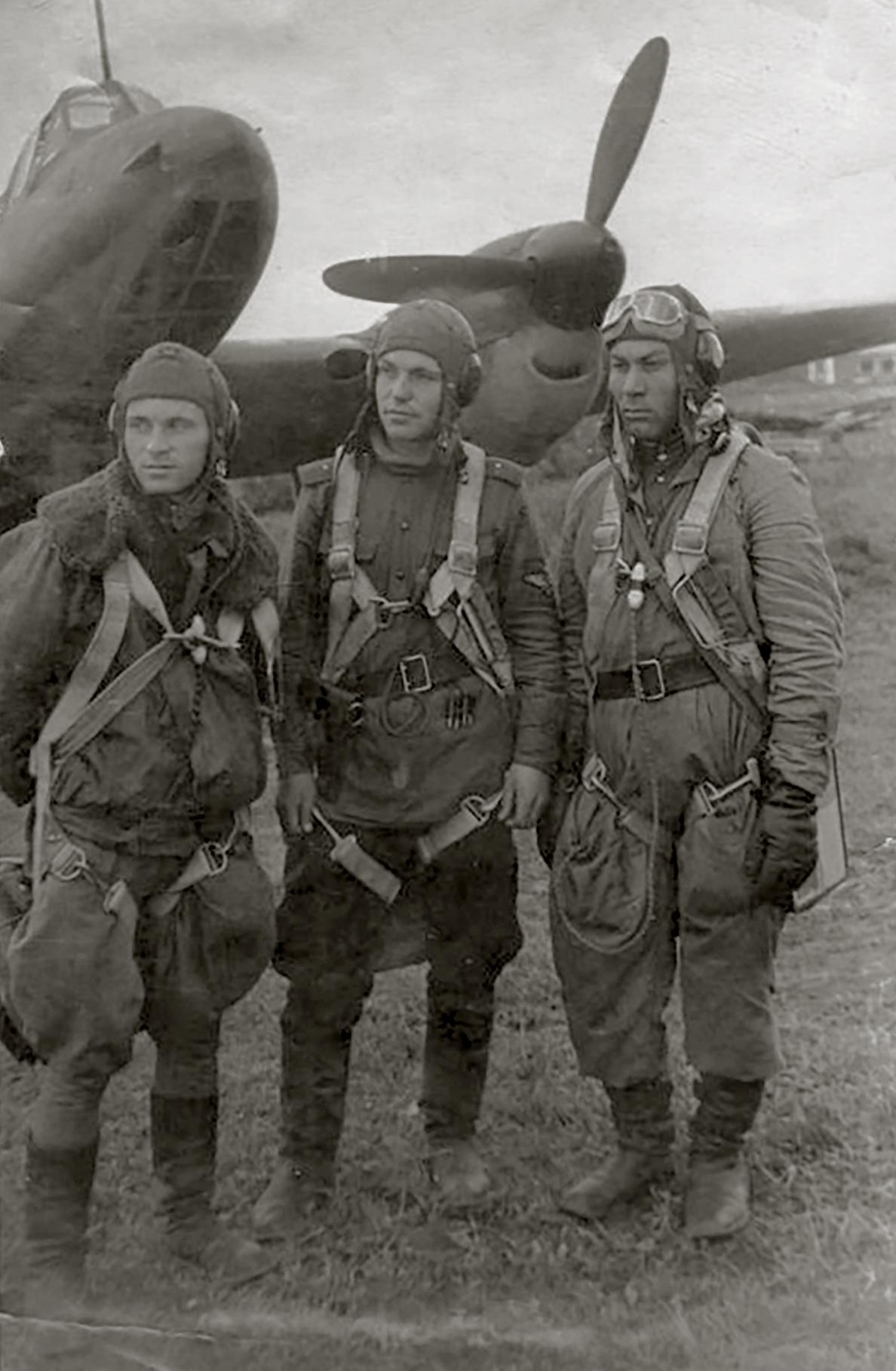 Aircrew Soviet 34GvBAP nav Lt BA Solovyov,JnrLt AV Borisov and RO Sgt SD Pershin 17th Jun 1944 01