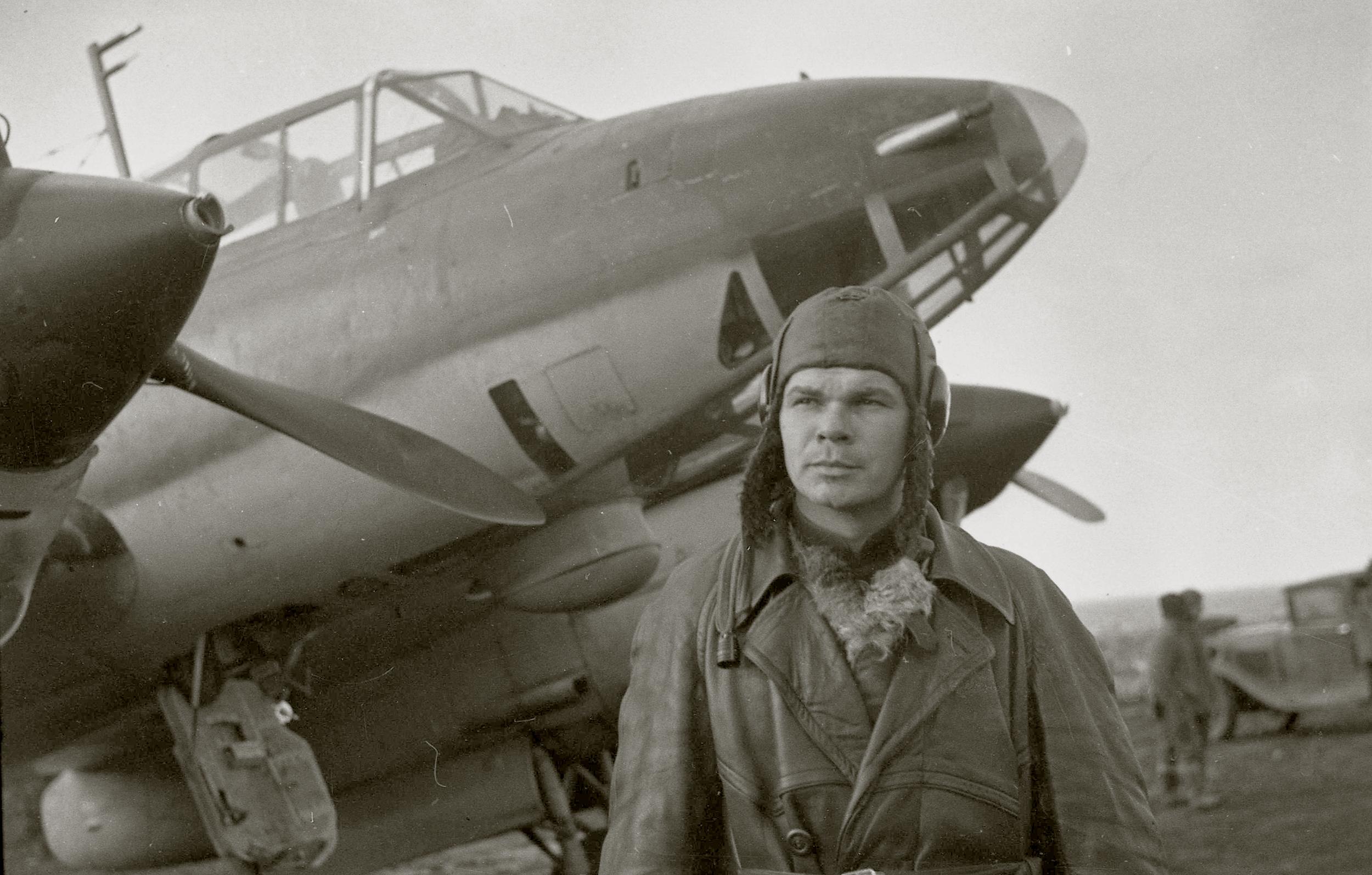 Aircrew Soviet 40GvBAP Hero of the Soviet Union Lt Colonel Korzunov 1942 01