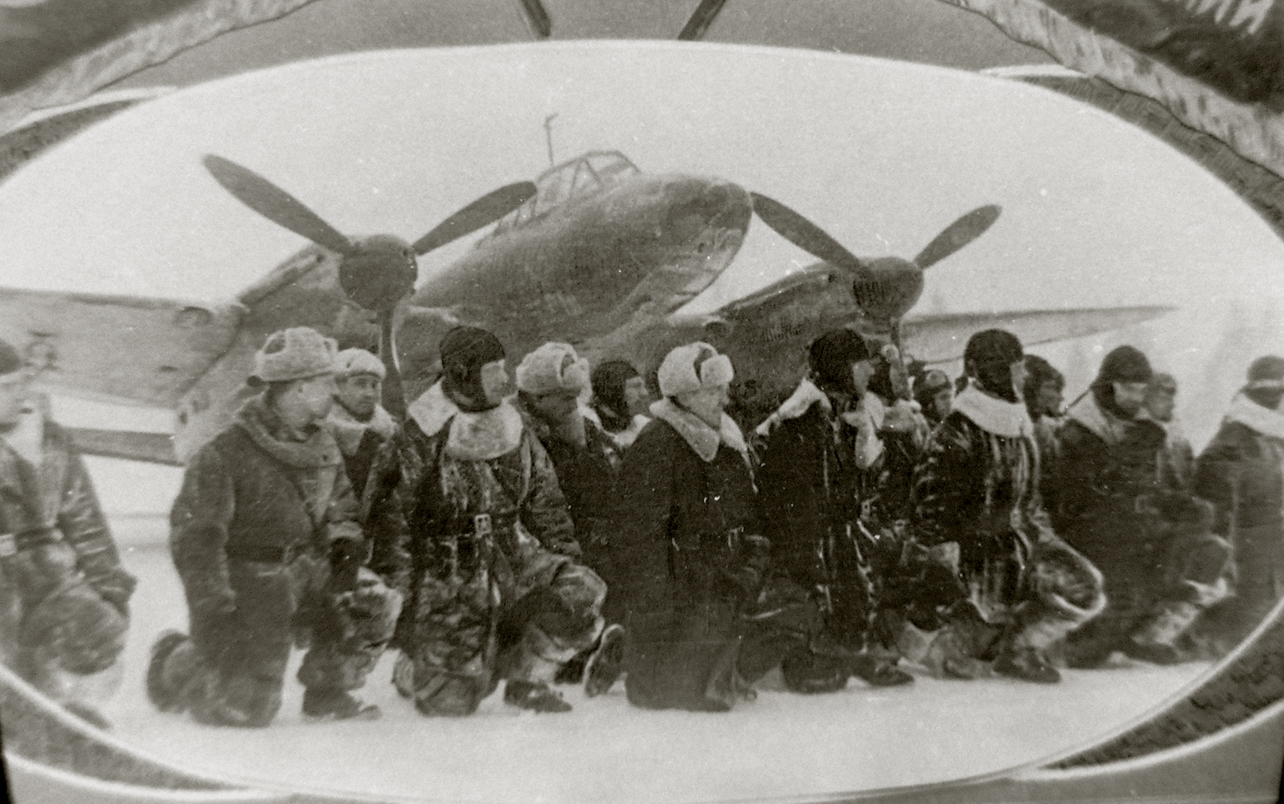 Aircrew Soviet 48GAPDr taking the Guards oath 01