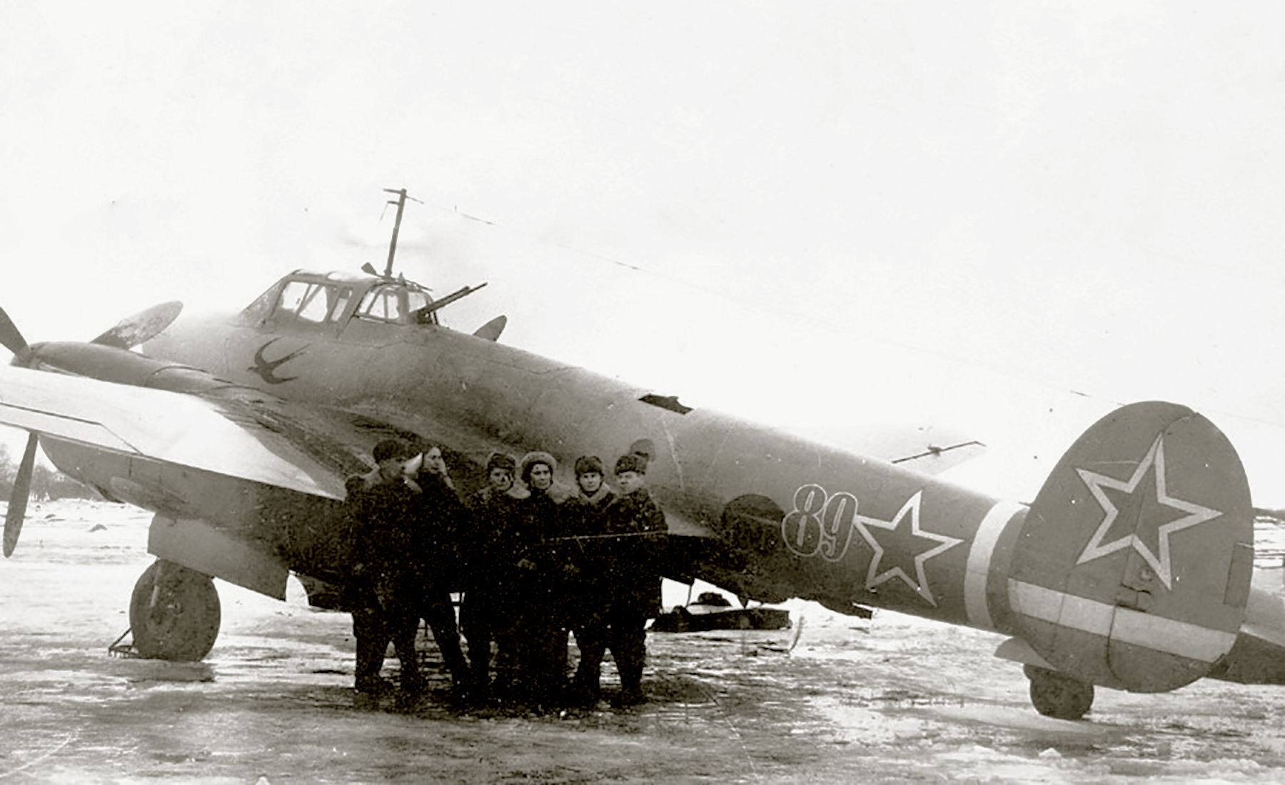 Petlyakov Pe 2 125GvBAP Red 89 with the swallow emblem and serial no 14136 in 1944 01