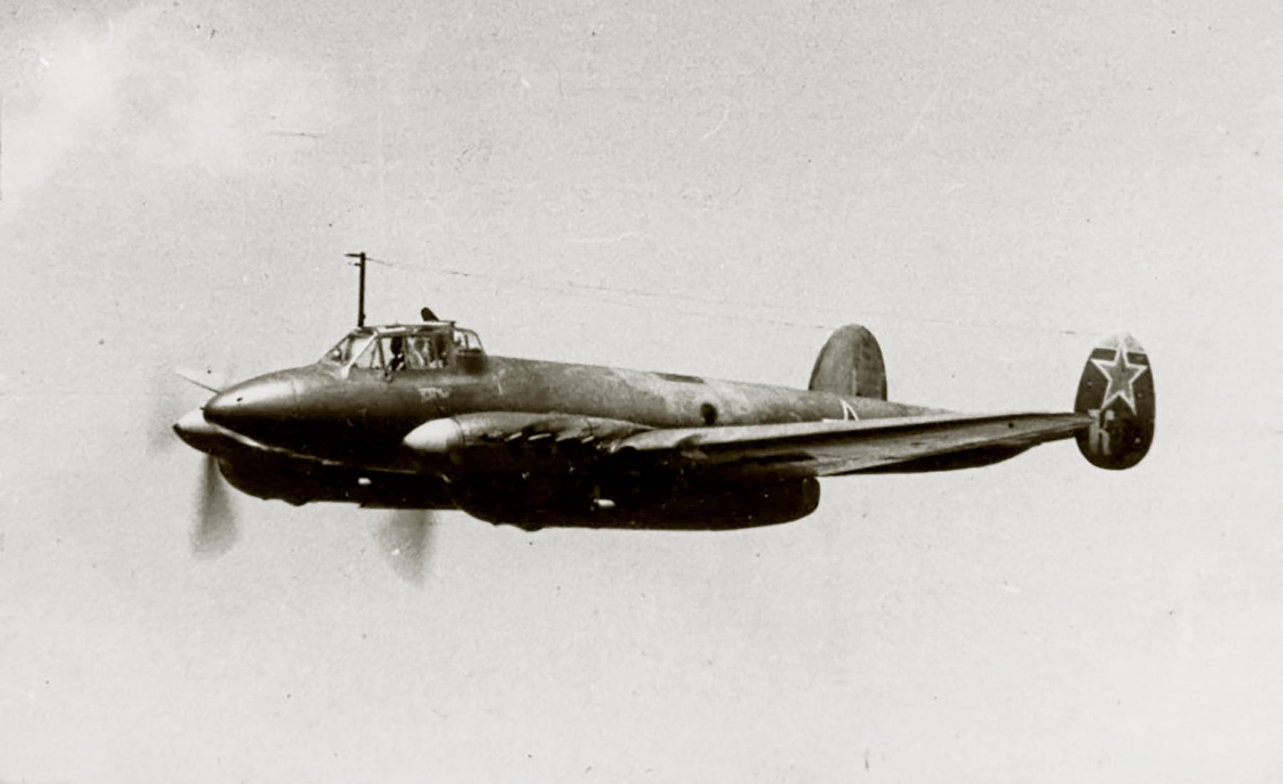 Petlyakov Pe 2 140BAP unit code K Leningrad front 01