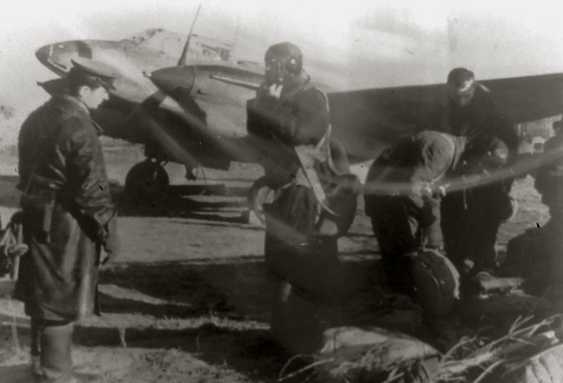 Petlyakov Pe 2 48GAPDr crew preparing for flight 01