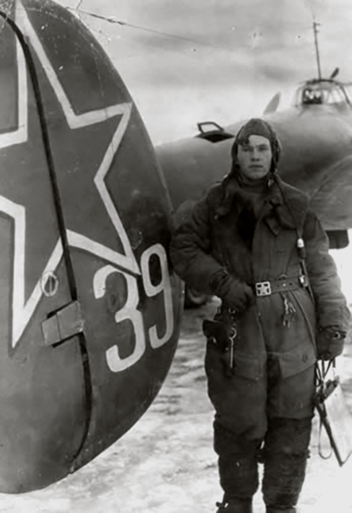 Petlyakov Pe 2 type 110 34GvBAP from workers of Leningrad Anatoly M Krylov 1943 04