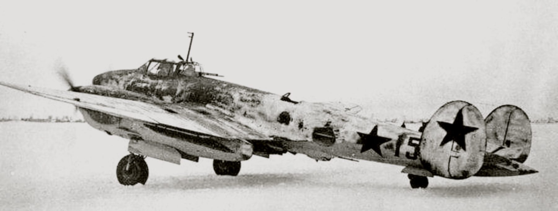 Petlyakov Pe 2 type 110 with 73PBAP Baltic Fleet Red 15 in winter camouflage 1942 01