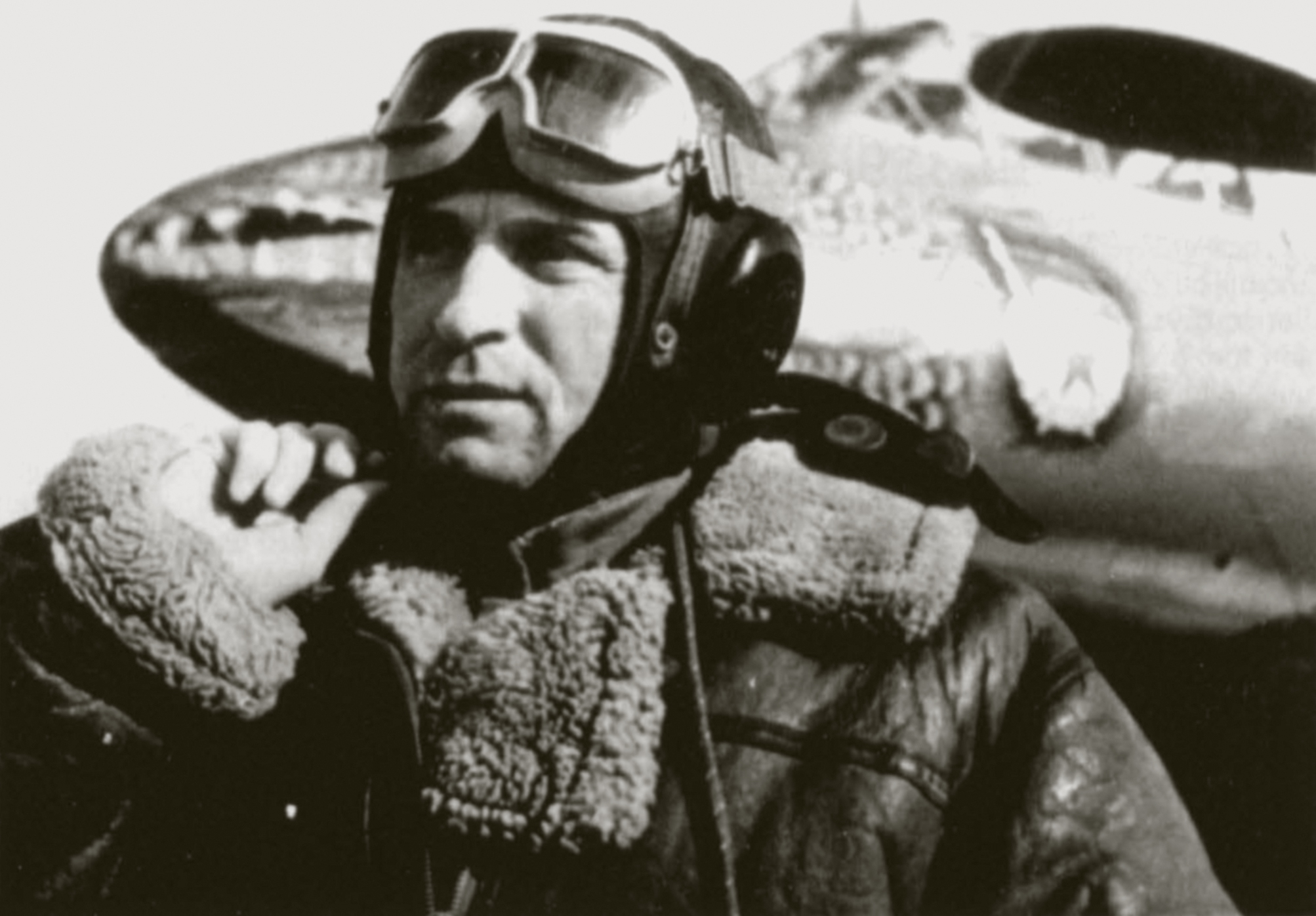 Petlyakov Pe 2 type 359 1GvBAD with crocodile mouth and VVS pilot Russia 01