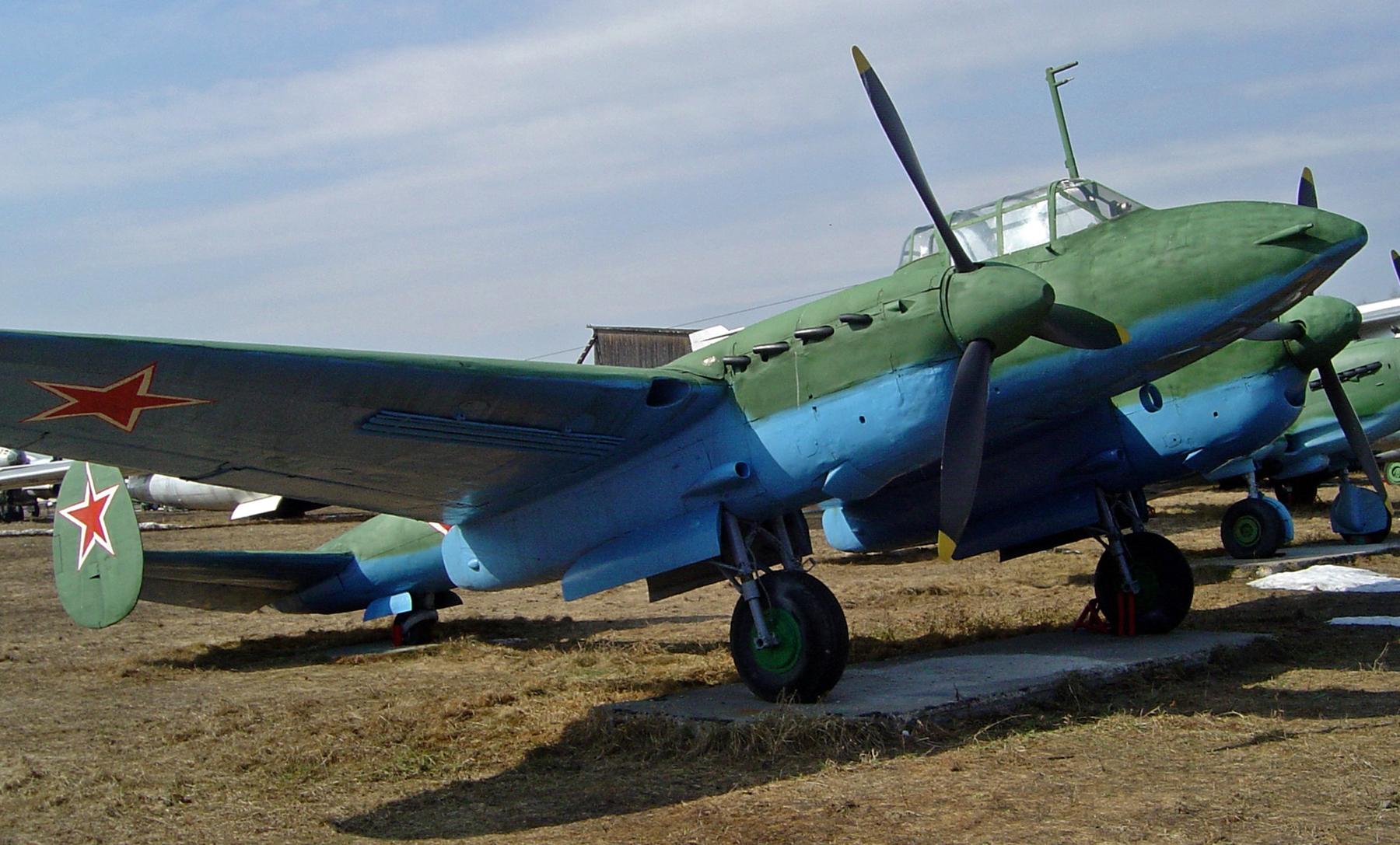 Preserved Petlyakov Pe 2 type 359 on display outside Russian museum 01