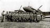 Asisbiz Aircrew Soviet 127GvBAP during a crew briefing Stalingrad front 01
