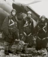 Asisbiz Aircrew Soviet 48GAPDr with Lt Slabospitsky and Sergeants Kovalenko and Arsentiev 01