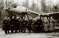 Asisbiz Aircrew Soviet 72ORAP group photo taken in Oct 1942 01