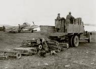 Asisbiz Petlyakov Pe 2 140BAP White 16 Lyady Belarus Russia border 1944 01