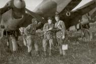 Asisbiz Petlyakov Pe 2 160GvBAP with BP Lyapin and crew 20th Jun 1944 01