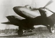 Asisbiz Petlyakov Pe 2 48GAPDr taxiing for its next mission 01