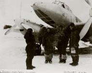 Asisbiz Petlyakov Pe 2 58BAP with crew 10th Dec 1942 01