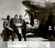 Asisbiz Petlyakov Pe 2 80GvBAP slogan Belgorod Berlin with Capt and Hero of the Soviet Union Evel S Belyavin 01