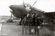 Asisbiz Petlyakov Pe 2 80GvBAP with crew at the Schebzheshin airfield 1944 01