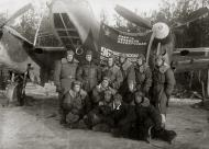 Asisbiz Petlyakov Pe 2 96GvBAP HSU Vasily Petrovich Melnik and commrades in 1945 01