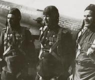 Asisbiz Petlyakov Pe 2 96GvBAP Stalingrad Berlin HSU AP Krupin and commrades in 1945 01