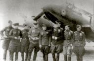 Asisbiz Petlyakov Pe 2 M82 99GvDRAP unit crew members with various awards 01