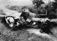 Asisbiz Petlyakov Pe 2 Soviet dive bomber after an emergency landing Germany 1945 01