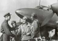 Asisbiz Petlyakov Pe 2 crew being congratulated for a successful missions 1st Far Eastern Front 01