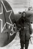 Asisbiz Petlyakov Pe 2 type 110 34GvBAP from workers of Leningrad Anatoly M Krylov 1943 04
