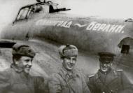 Asisbiz Petlyakov Pe 2 type 179 96GvBAP Stalingrad to Berlin with its crew Russia 1943 01