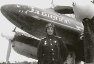 Asisbiz Petlyakov Pe 2 type 205 40GvBAP Northern Fleet with Capt Zabiyaka and named in his honor Crimea 1944 01