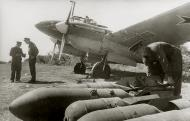 Asisbiz Petlyakov Pe 2 type 205 40GvBAP Northern Fleet with Capt Zabiyaka and named in his honor Crimea May 1944 01