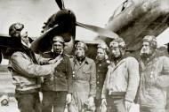 Asisbiz Petlyakov Pe 2 type 359 12GvPAP Order of Ushakov with Rzhevsky P Ilyich and others 1946 01