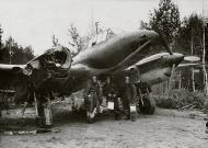 Asisbiz Petlyakov Pe 2R 11ORAP Reconnaissance unit sn 2720 damaged returned back to base Oct 1942 01