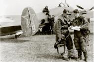 Asisbiz Petlyakov Pe 2R 511RAP no 9 with Sqn Cmdr Maj Grishanov (r) and sqn navigator Capt Tarasyutin 01
