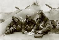 Asisbiz Petlyakov Pe 2R 511RAP with Peter Lunev,not known,radio operator Zharikov 01