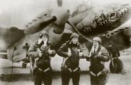 Asisbiz Petlyakov Pe 2R type 359 99GvDRAP Long Range Recon Unit with snarling Lion East Prussia 1944 01