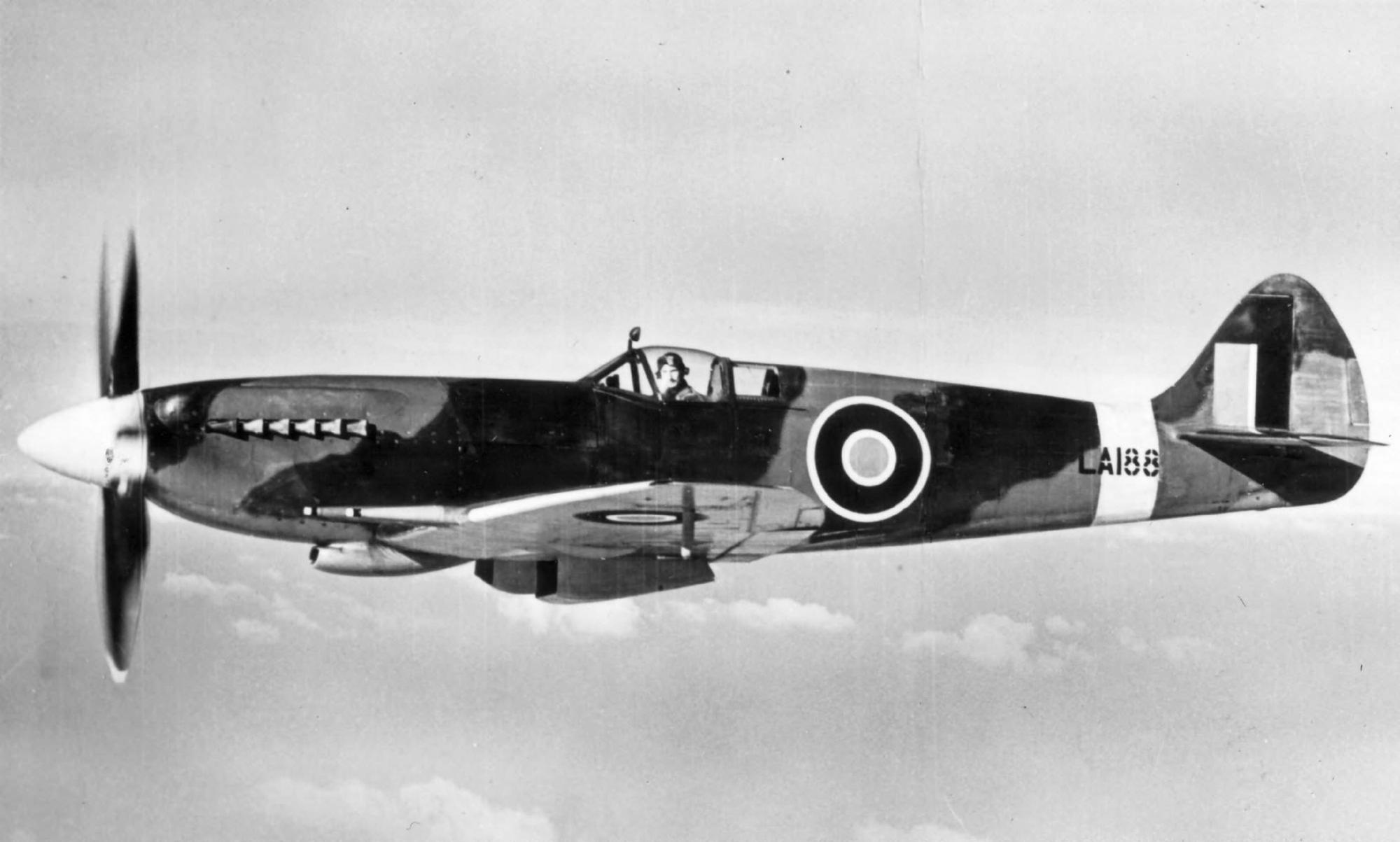 Spitfire 21 RAF LA188 over England web 01