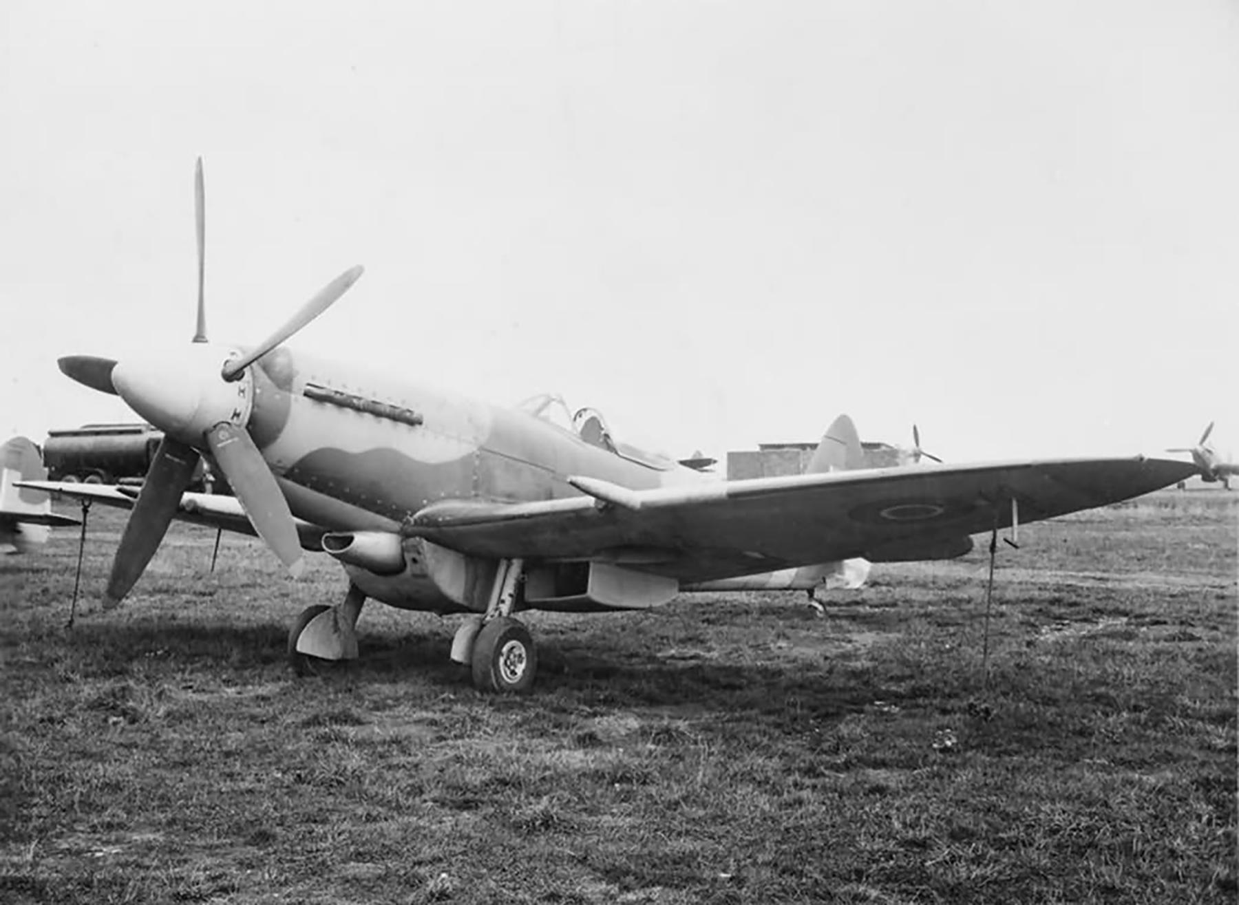 Spitfire F18 on the ground web 01